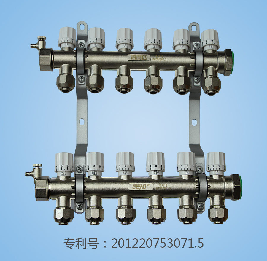 Forging one manual temperature control manifold